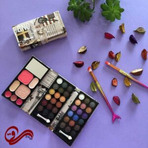 پالت آرایشی مسافرتی 3 صفحه ای طرح برج ساعت Matte Professional Make-up Kit Three plate